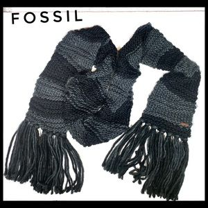 Fossil fringed crotched knit long chunky scarf